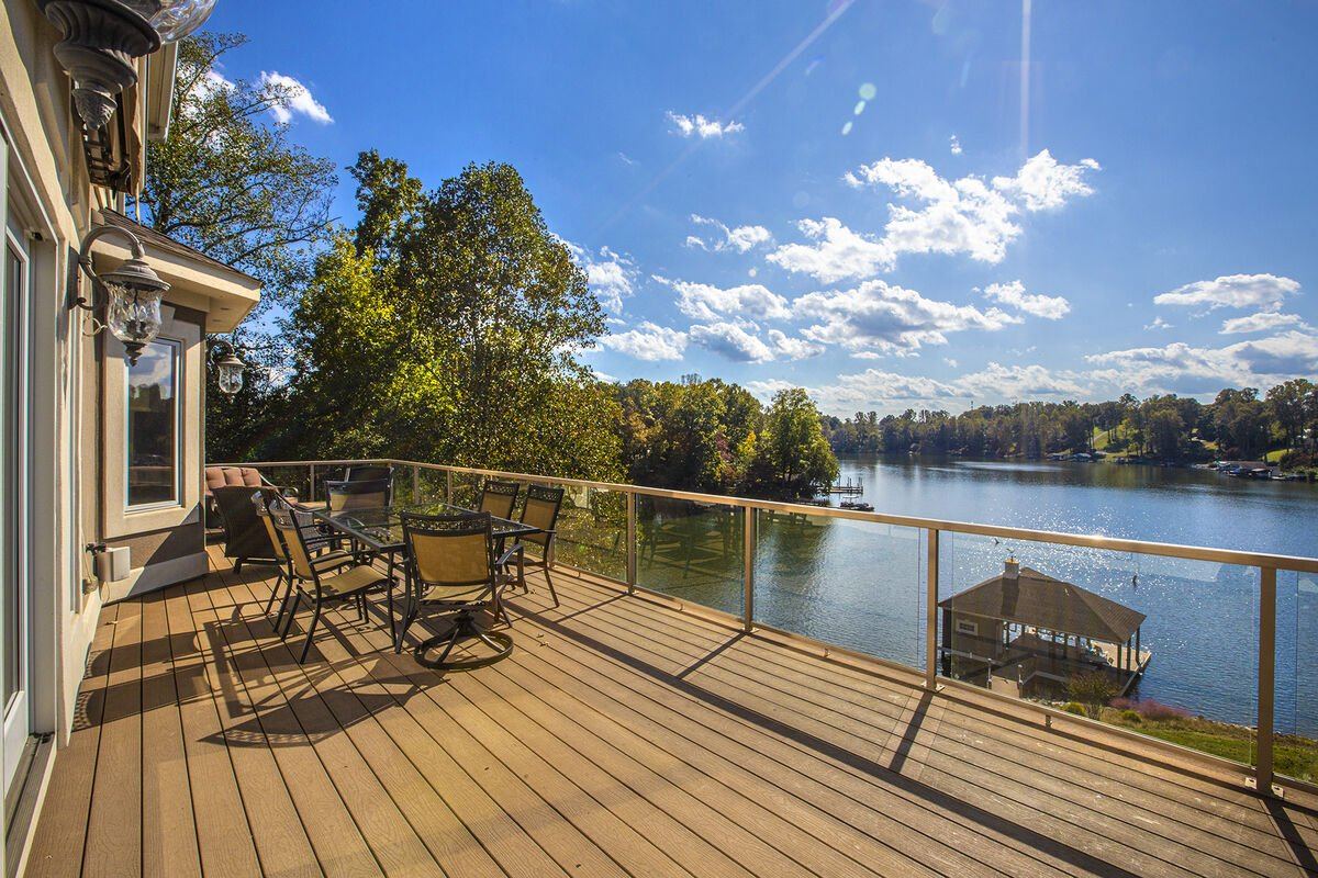 Wonderful views to the lake from every deck