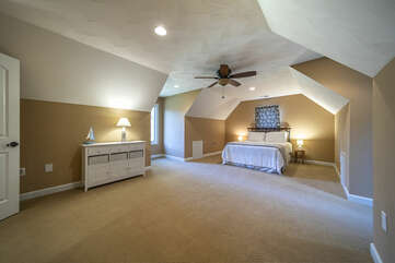 Bedroom , next to TV Area , great area for Kids !