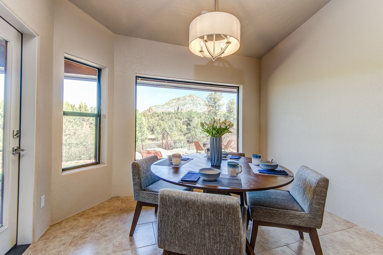 Breakfast Nook with Red Rock Views