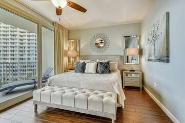 (King) Master bedroom with stunning view of the Gulf