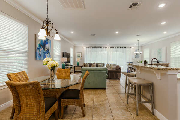 Plan out your day while enjoying a snack at the breakfast bar with seating for 4.