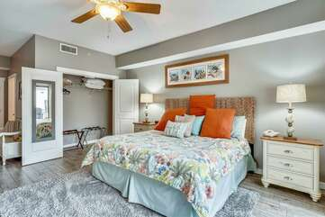(King) Master bedroom with his & her closet
