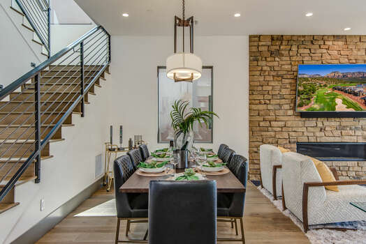 Dining Area with Seating for Eight Guests