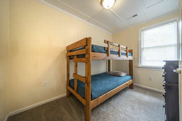 Main Level Bedroom  Bunk beds for the Kids!