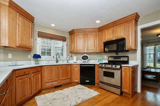 Lots of room to whip up meals for the family - 1 Somerset Road Harwich Cape Cod - New England Vacation Rentals