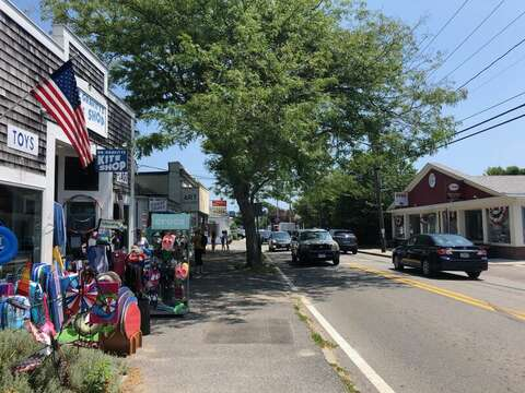 Route 28 Harwich Port - Harwich Cape Cod - New England Vacation Rentals