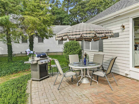 Patio all ready for summer barbecue - 35 Vacation Lane Harwich Cape Cod - New England Vacation Rentals