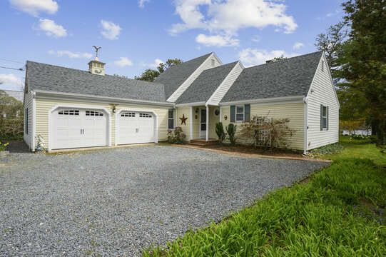 Welcome to Poppys Pond - 35 Vacation Lane Harwich Cape Cod - New England Vacation Rentals