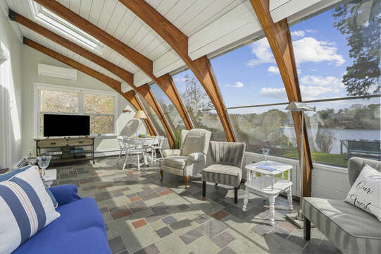 Sunroom with floor to ceiling windows - 35 Vacation Lane Harwich Cape Cod - New England Vacation Rentals