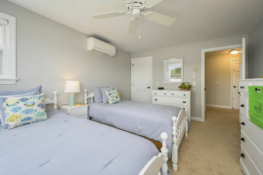 Bedroom #3 with twin beds - 35 Vacation Lane Harwich Cape Cod - New England Vacation Rentals