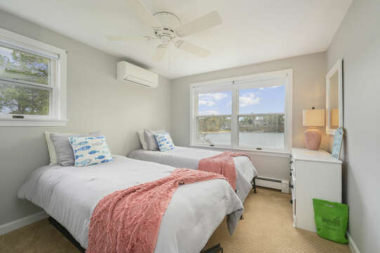 Bedroom #4 - Two twin beds - 35 Vacation Lane Harwich Cape Cod - New England Vacation Rentals