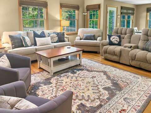 Plenty of seating - 1 Somerset Road Harwich Cape Cod - New England Vacation Rentals