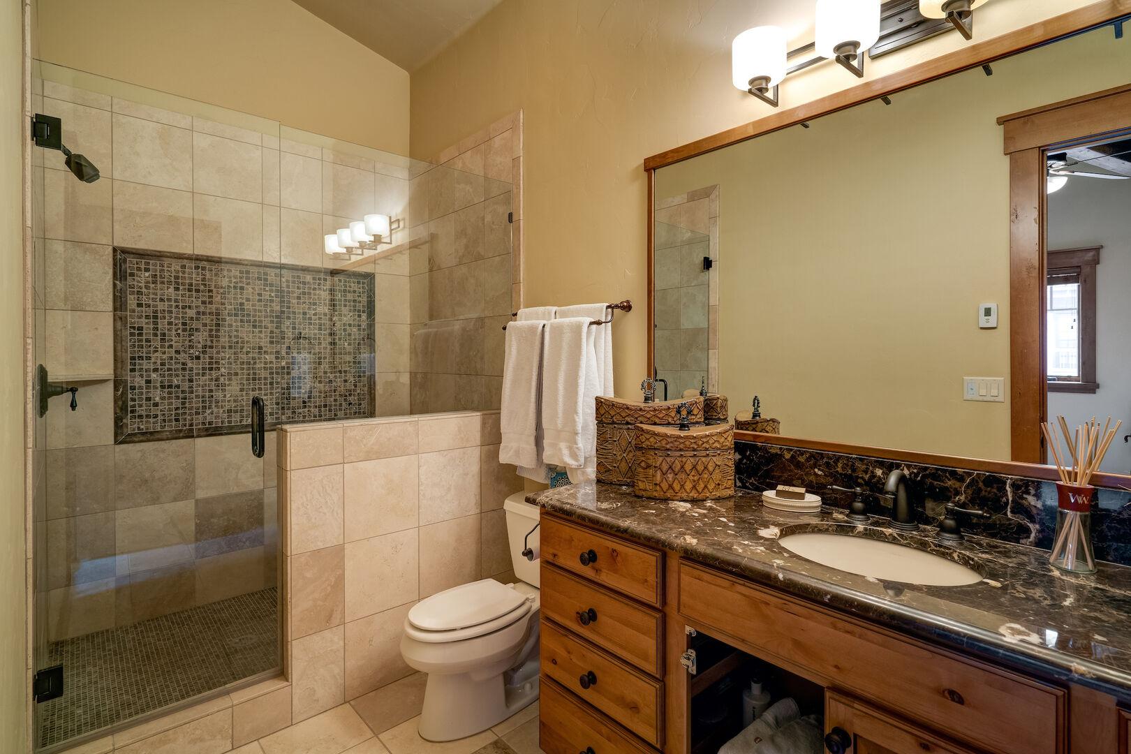 Ensuite bath in the upper bedroom