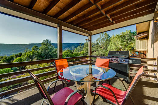 Enjoy Outdoor Dining and Grilling Up Your Favorites on the Gas BBQ