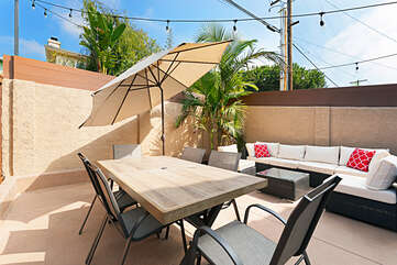 Dining for six on this large outdoor dining table.