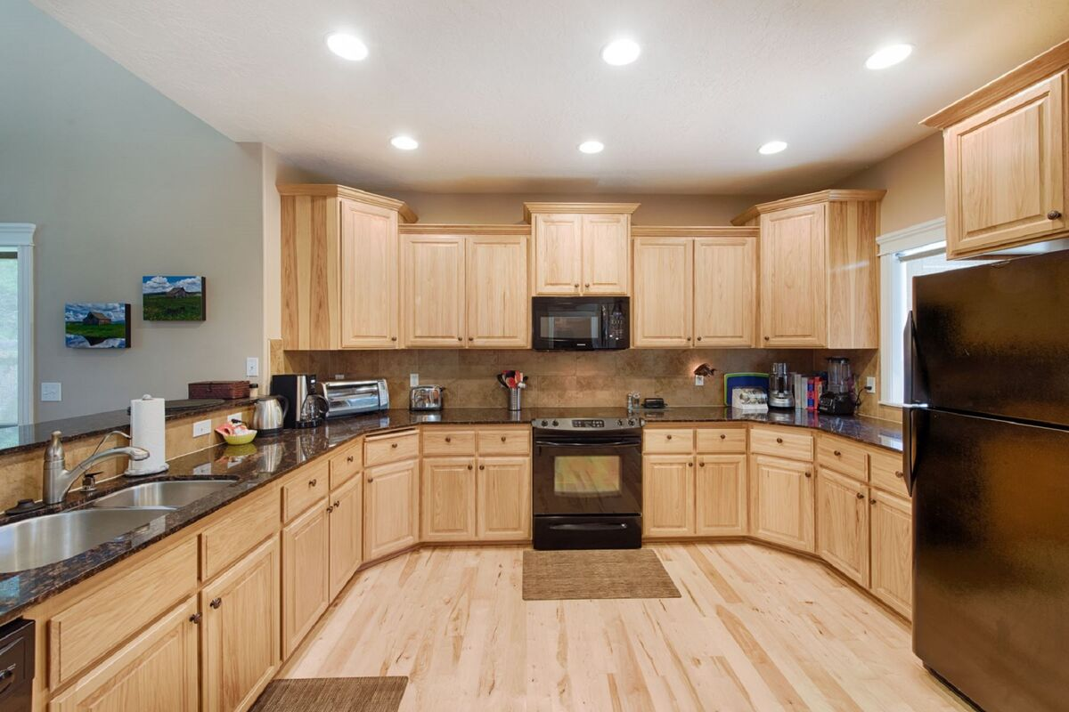 Spacious and beautifully equipped kitchen.