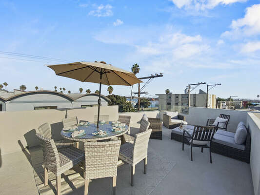 Roof Deck with Outdoor Dining and Living Room