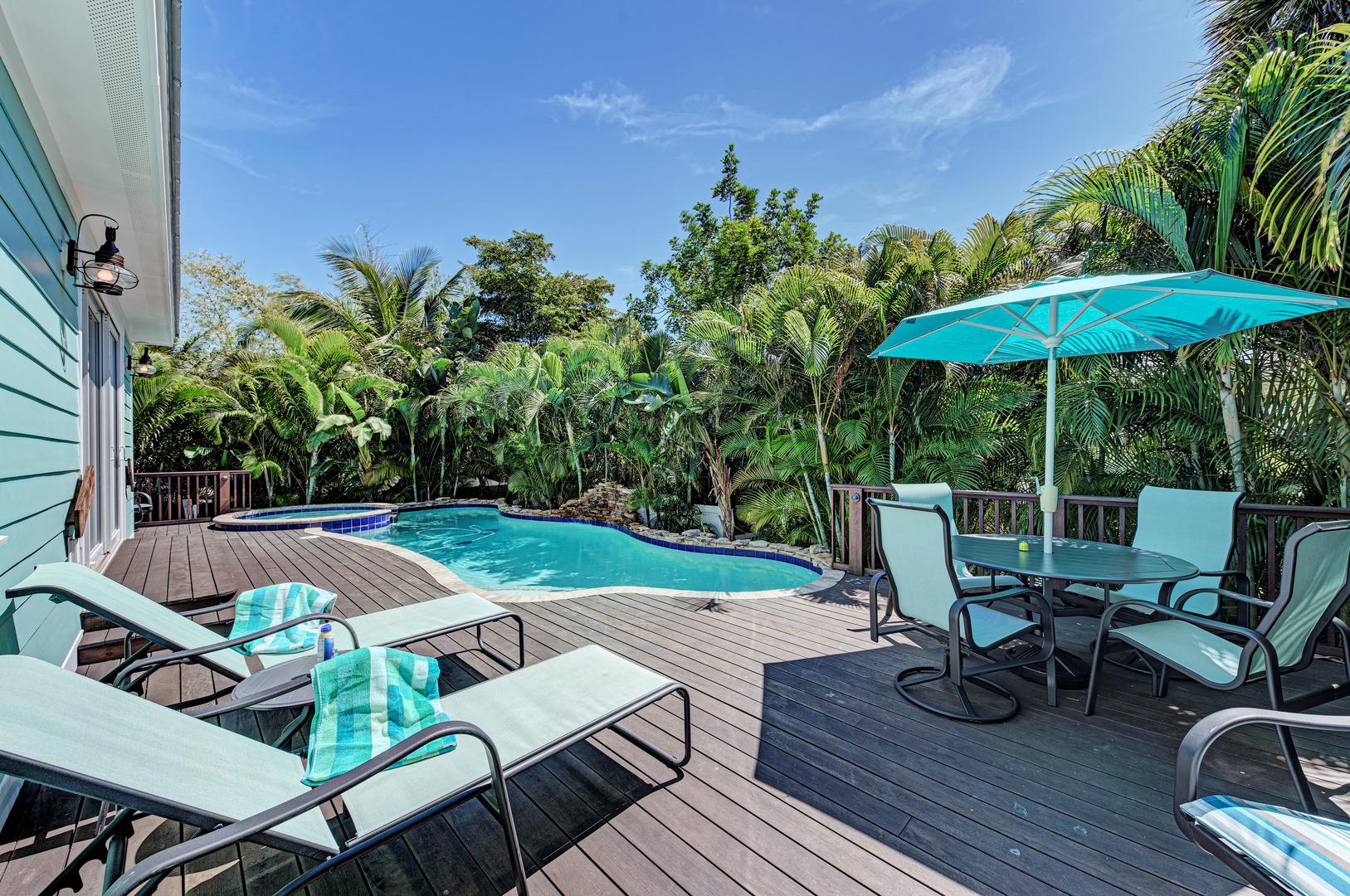 Blue Palm Paradise pool deck