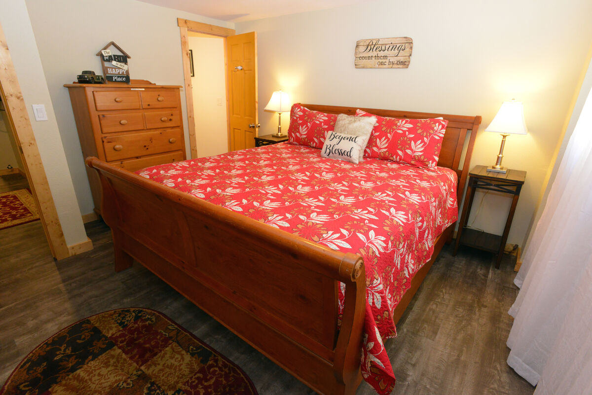 Lower level, king guest bdrm 1.