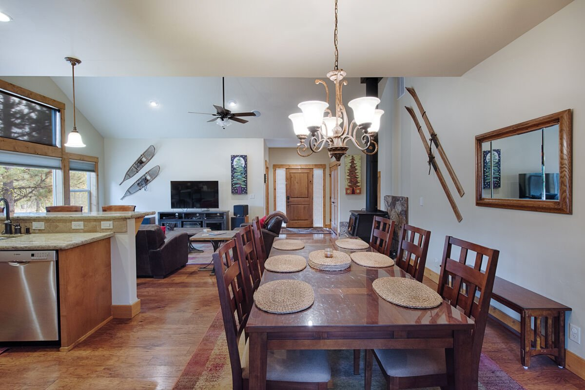 Dining space great for casual or formal gathering.