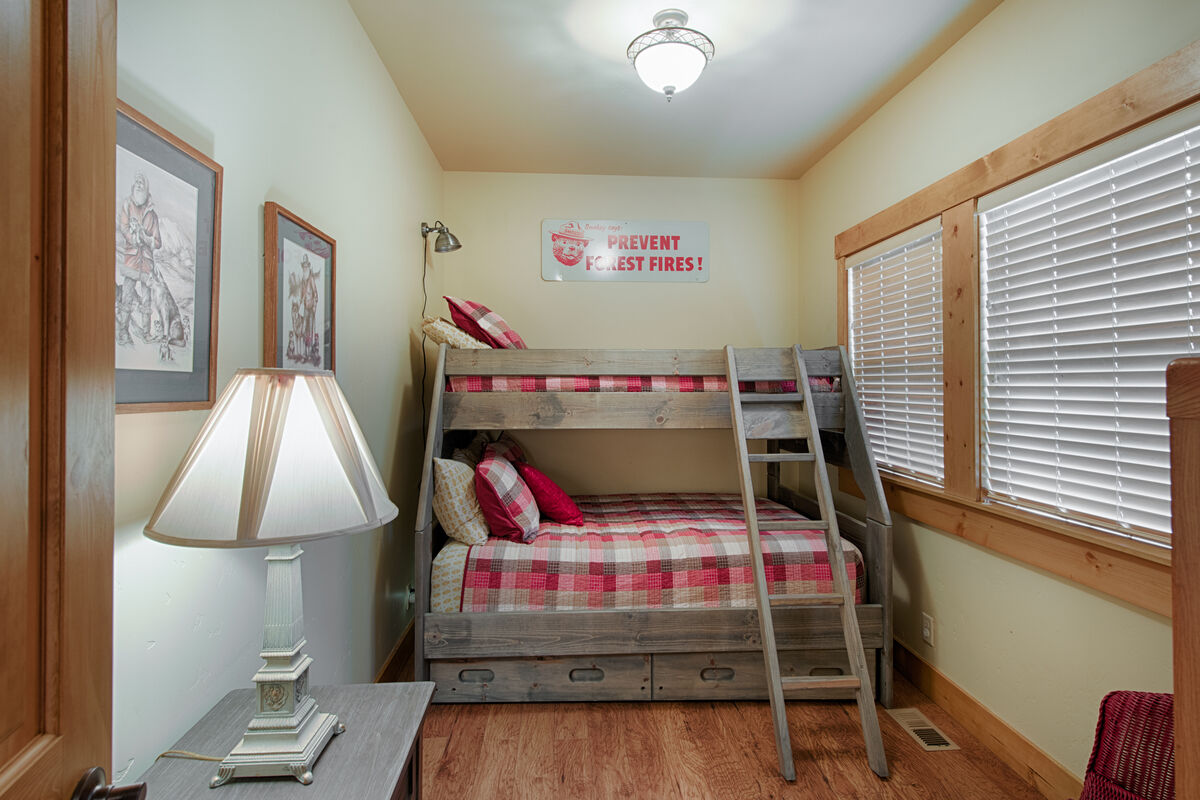 Bunk room with twin/full & twin trundle downstairs.