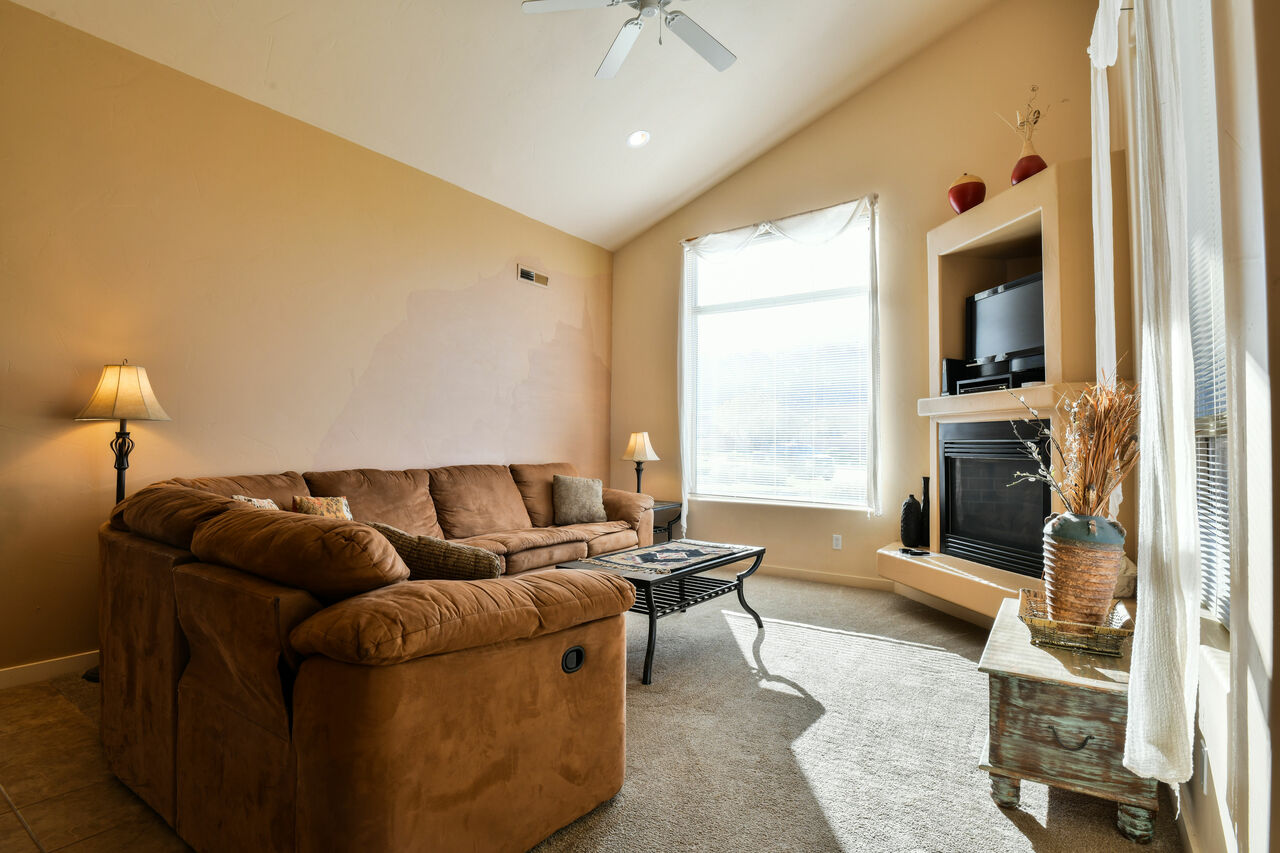 Living Room with Vaulted Ceilings at Moab Rental