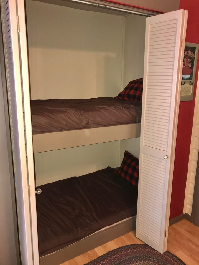 Twin bunks off of dining/entry room