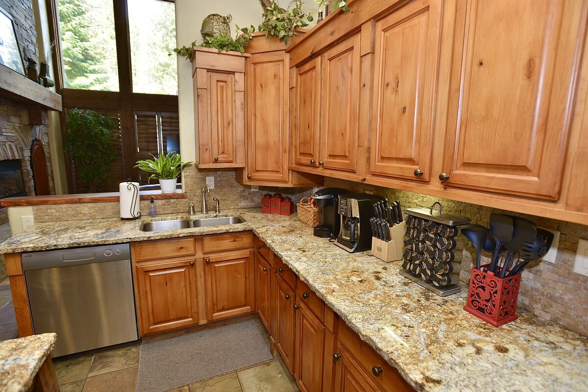 plenty of counter space and fully equipped with kitchen wares