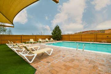 Shared Seasonal Pool and Hot Tub at Moab Rental