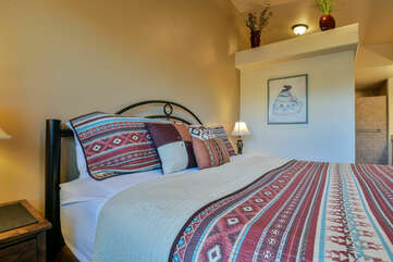 Cozy Master Bedroom at Moab Rental