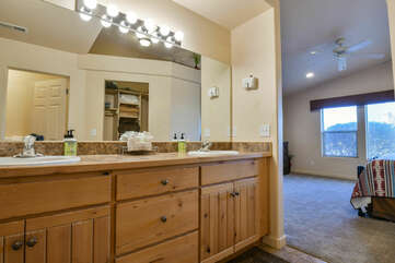 Jack and Jill Style Sink at Moab Rental