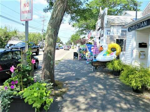 Take a stroll along Route 28 in Harwich Port-Cape Cod- New England Vacation Rentals