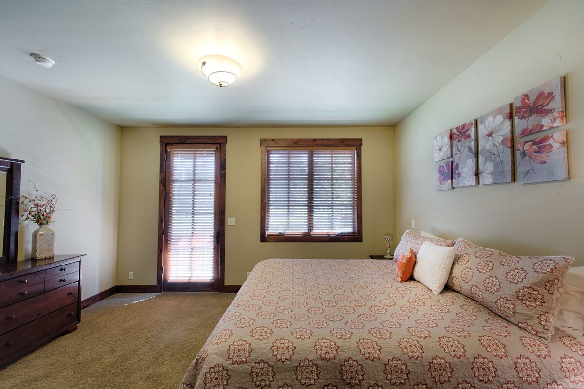 Master Suite has east facing balcony.