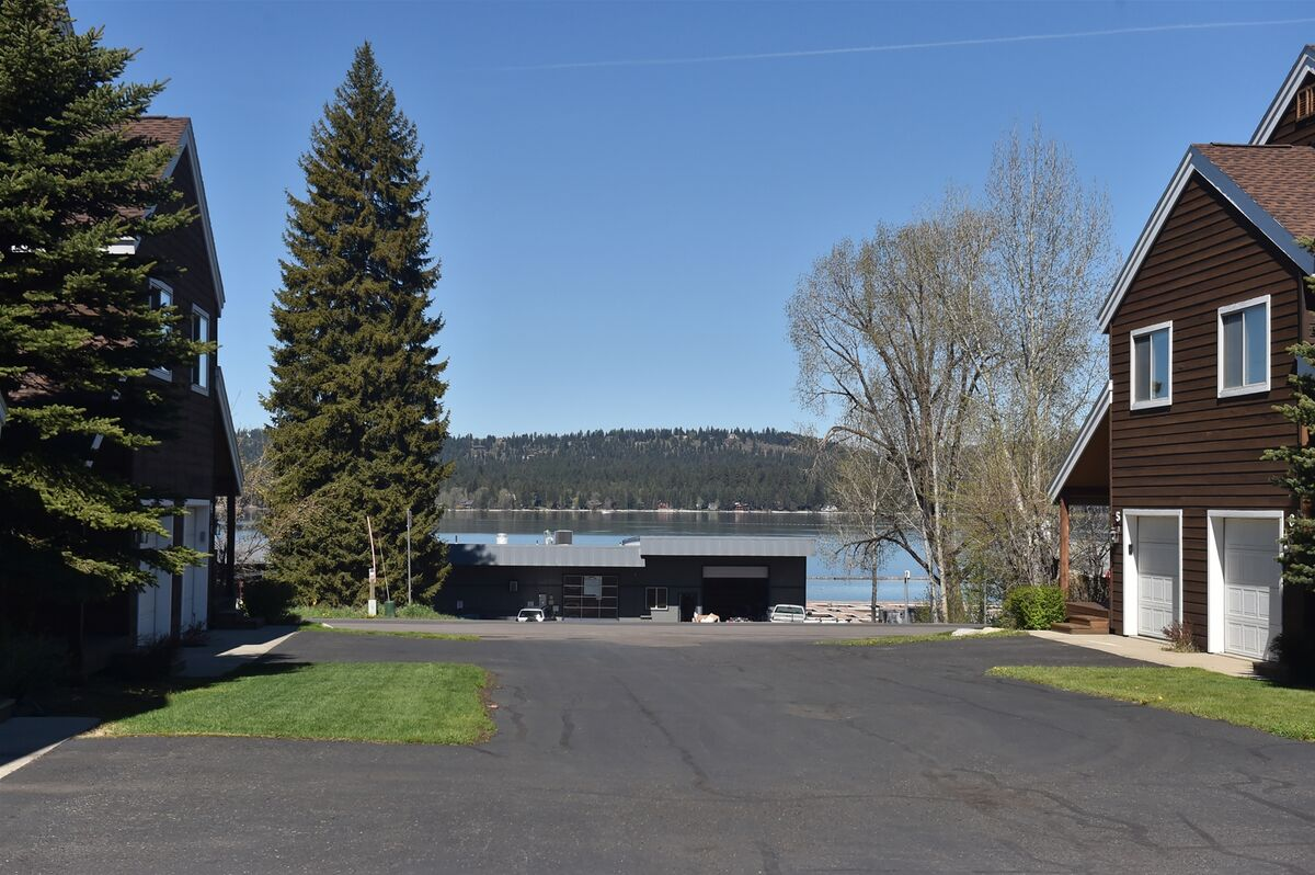 Lakeview Villa Townhome - 1 block to marina and Payette Lake
