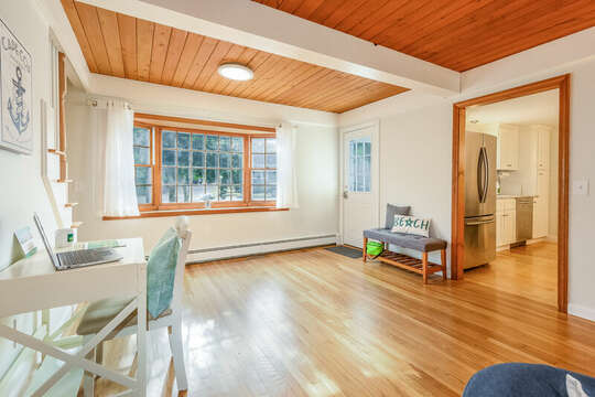 Desk for remote working - 2 Cove Road Harwich Cape Cod - New England Vacation Rentals