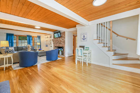 Main entrance of house - 2 Cove Road Harwich Cape Cod - New England Vacation Rentals