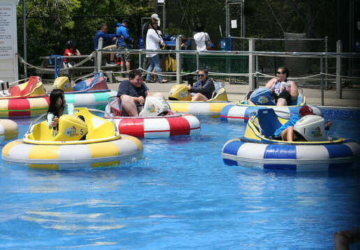 Kids activities - Bumper Boats on Route 28 in Harwich - Cape Cod - New England Vacation Rentals