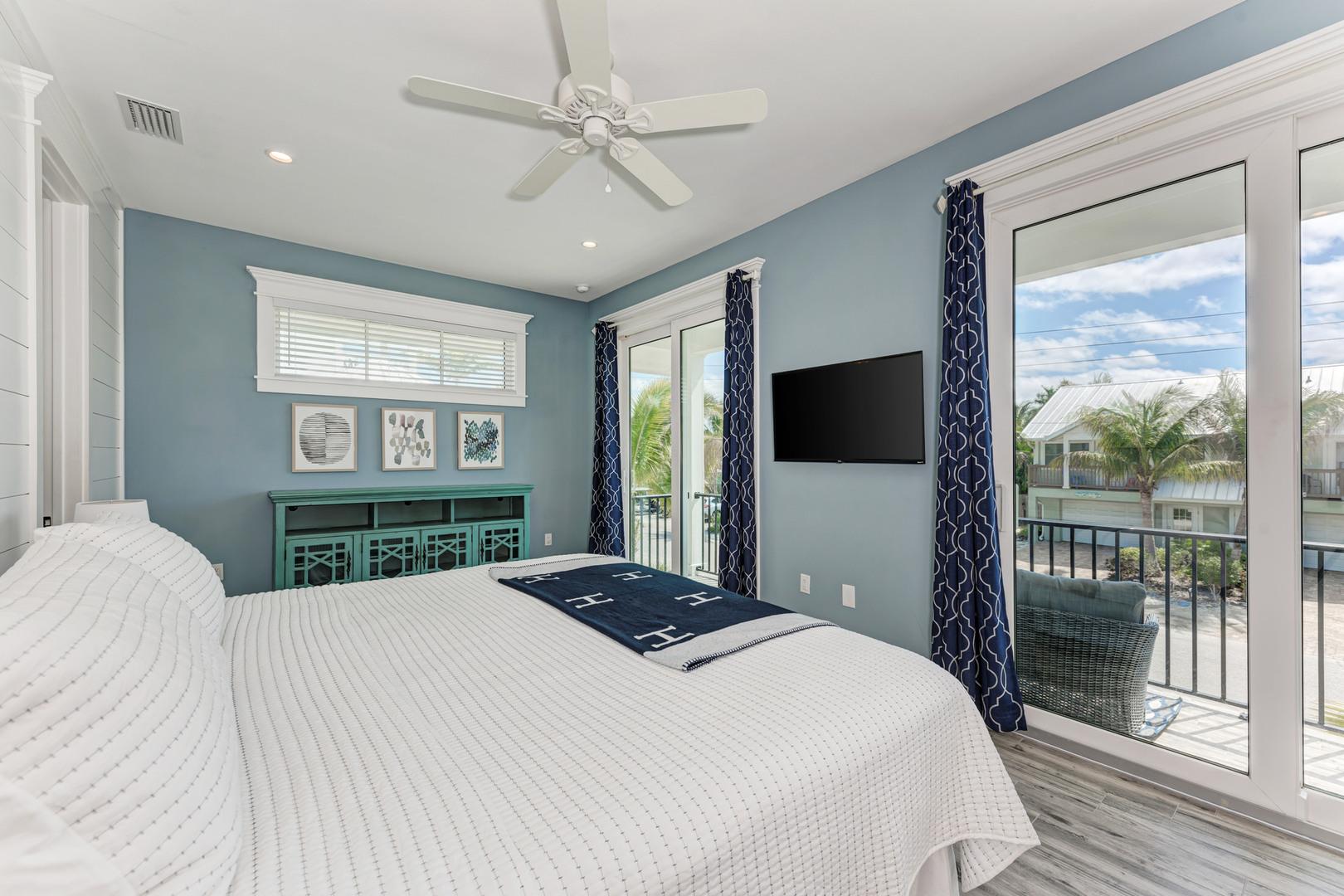 4 Sandpipers master bedroom view from doorway