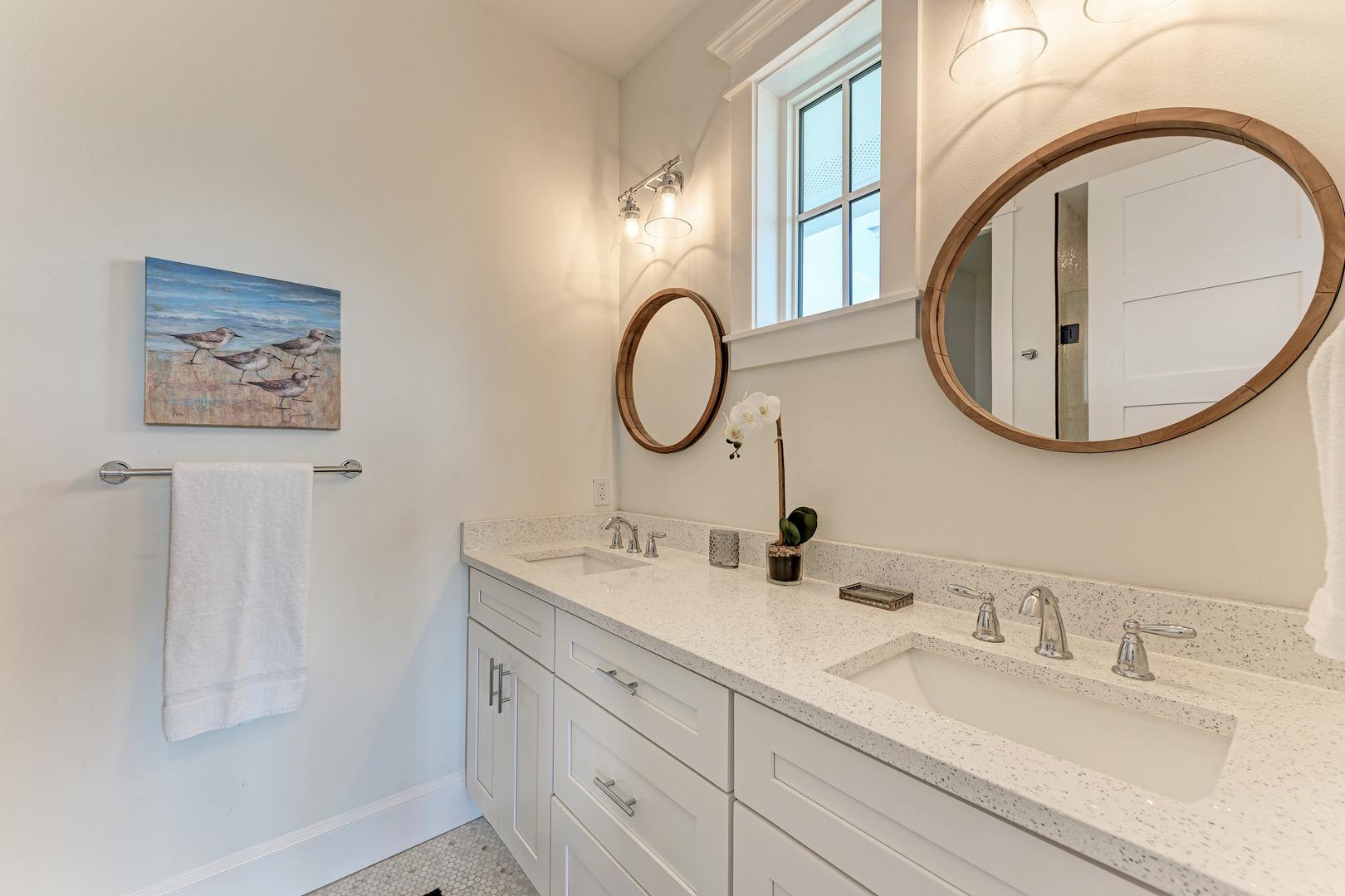 4 Sandpipers master bathroom