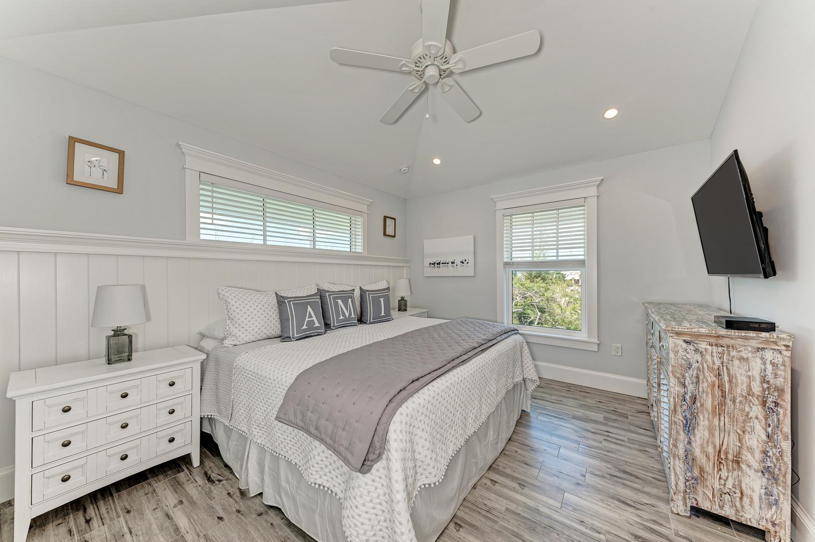 4 Sandpipers 2nd master bedroom view from doorway