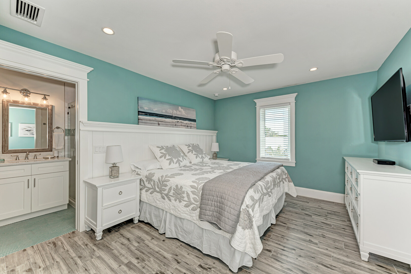 4 Sandpipers 3rd bedroom with ensuite