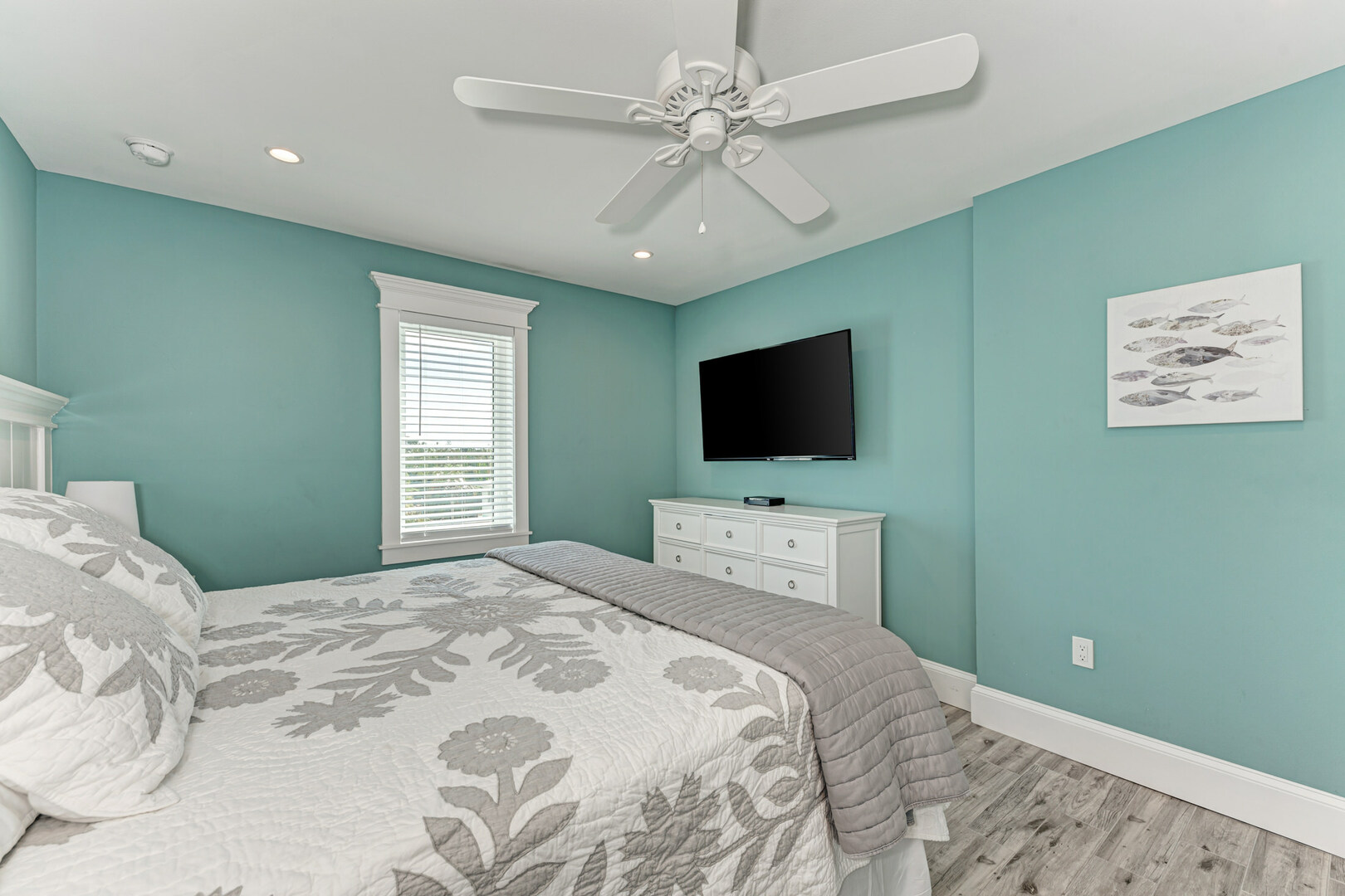 4 Sandpipers 3rd bedroom with ensuite alternate view