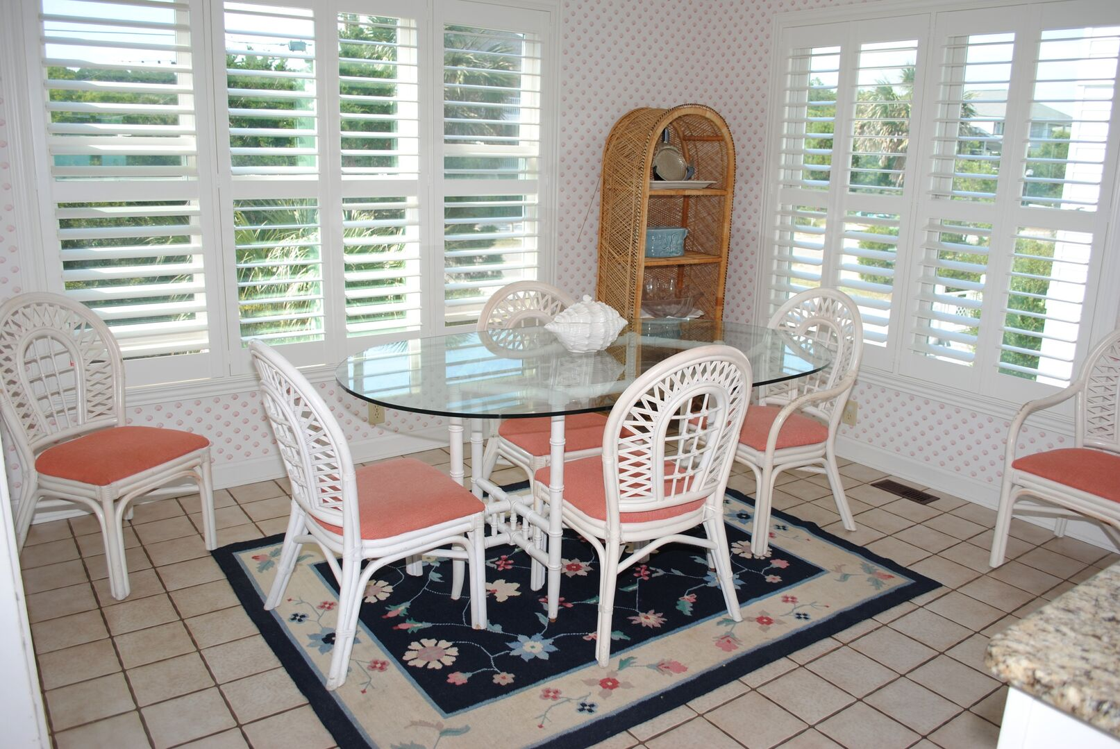 Additional Dining in Kitchen