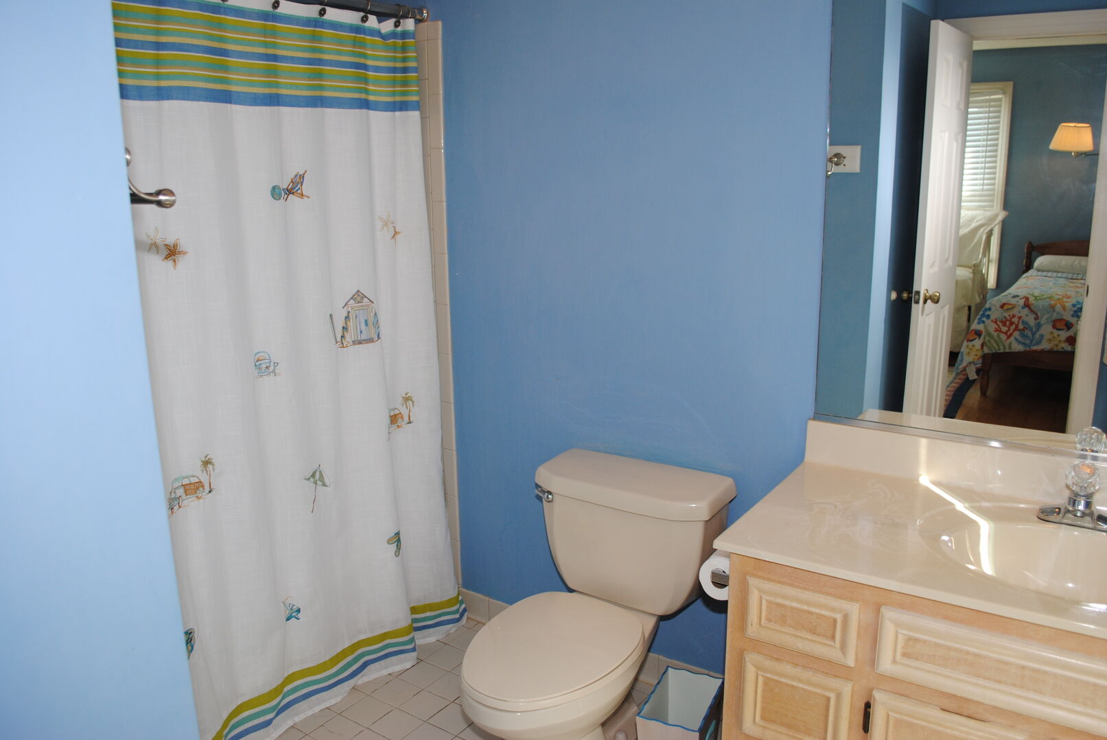 Twins/Daybed Bathroom - Second Floor
