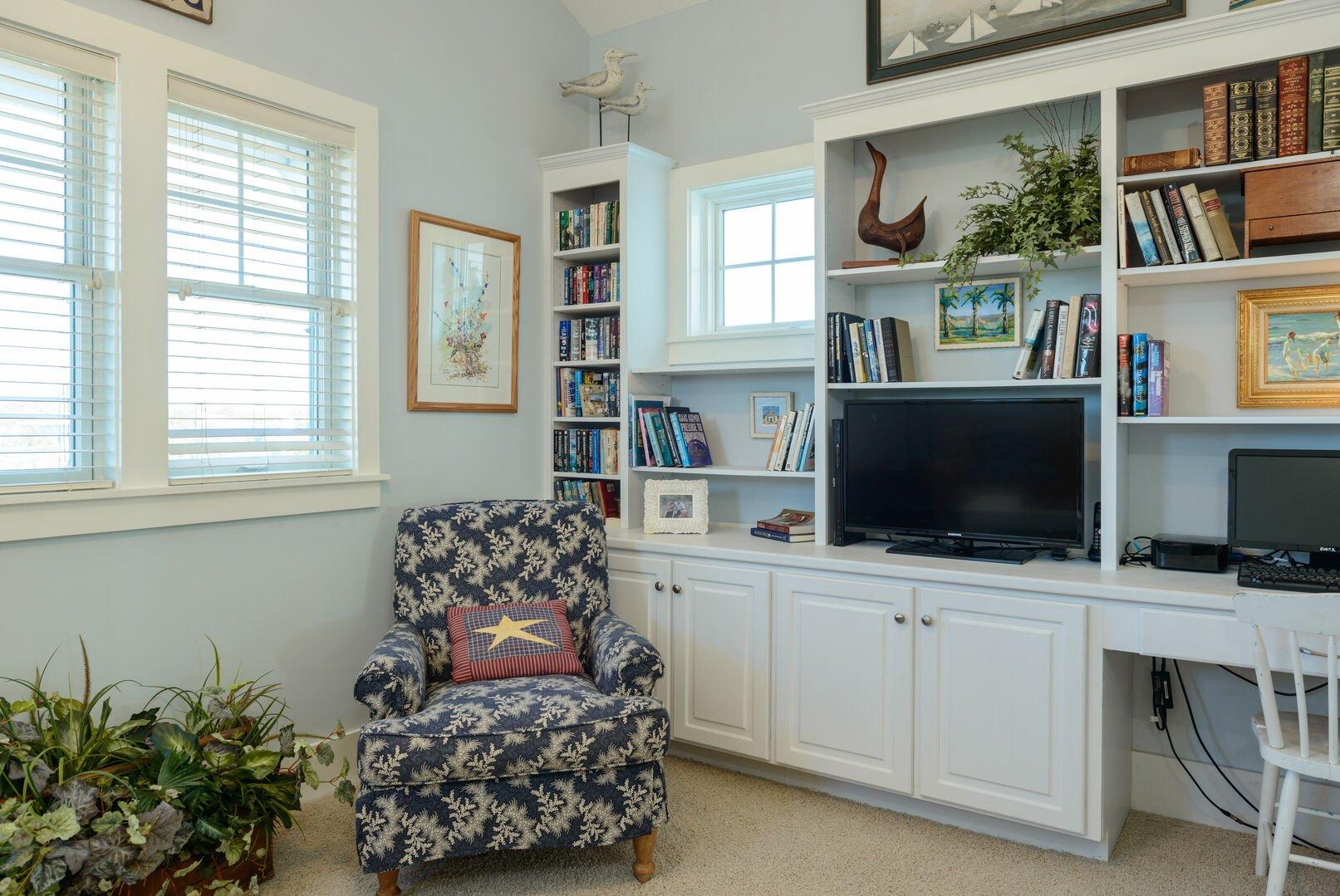 TV/Computer Room - Second Floor