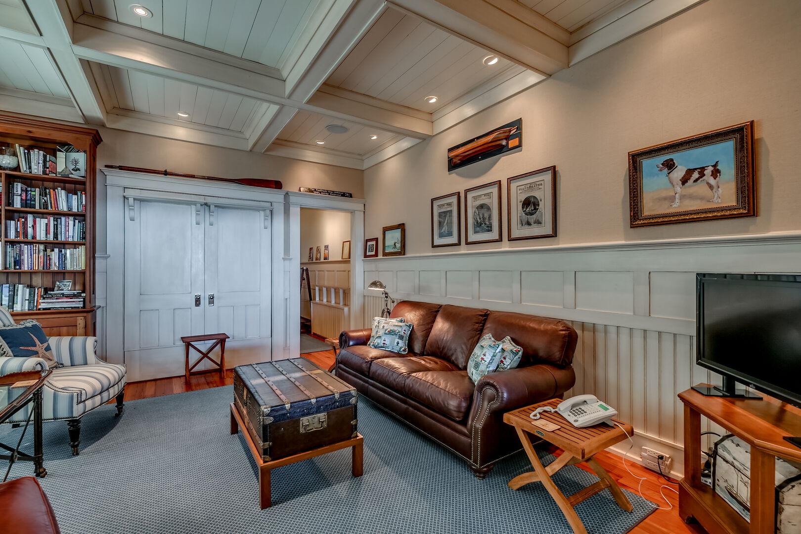 Library (Queen Murphy Bed) - First Floor