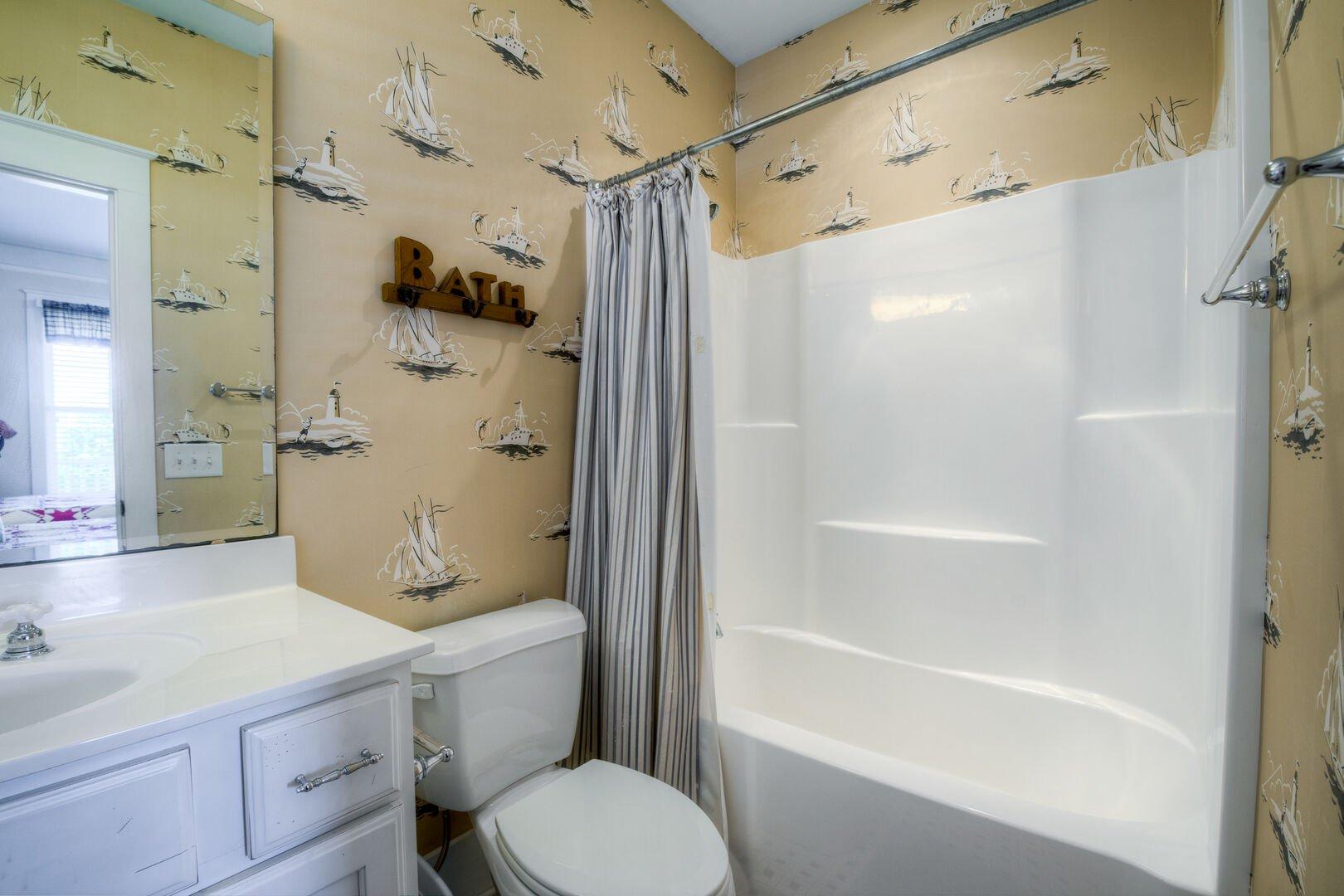 2 Fulls Bathroom - First Floor