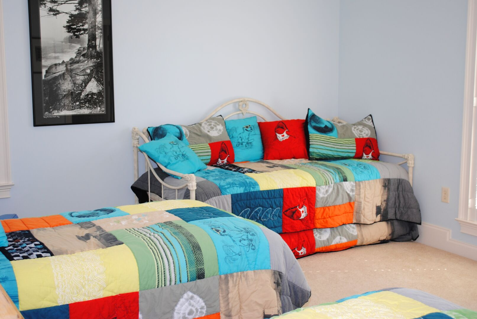 2 Twins and Daybed - Second Floor