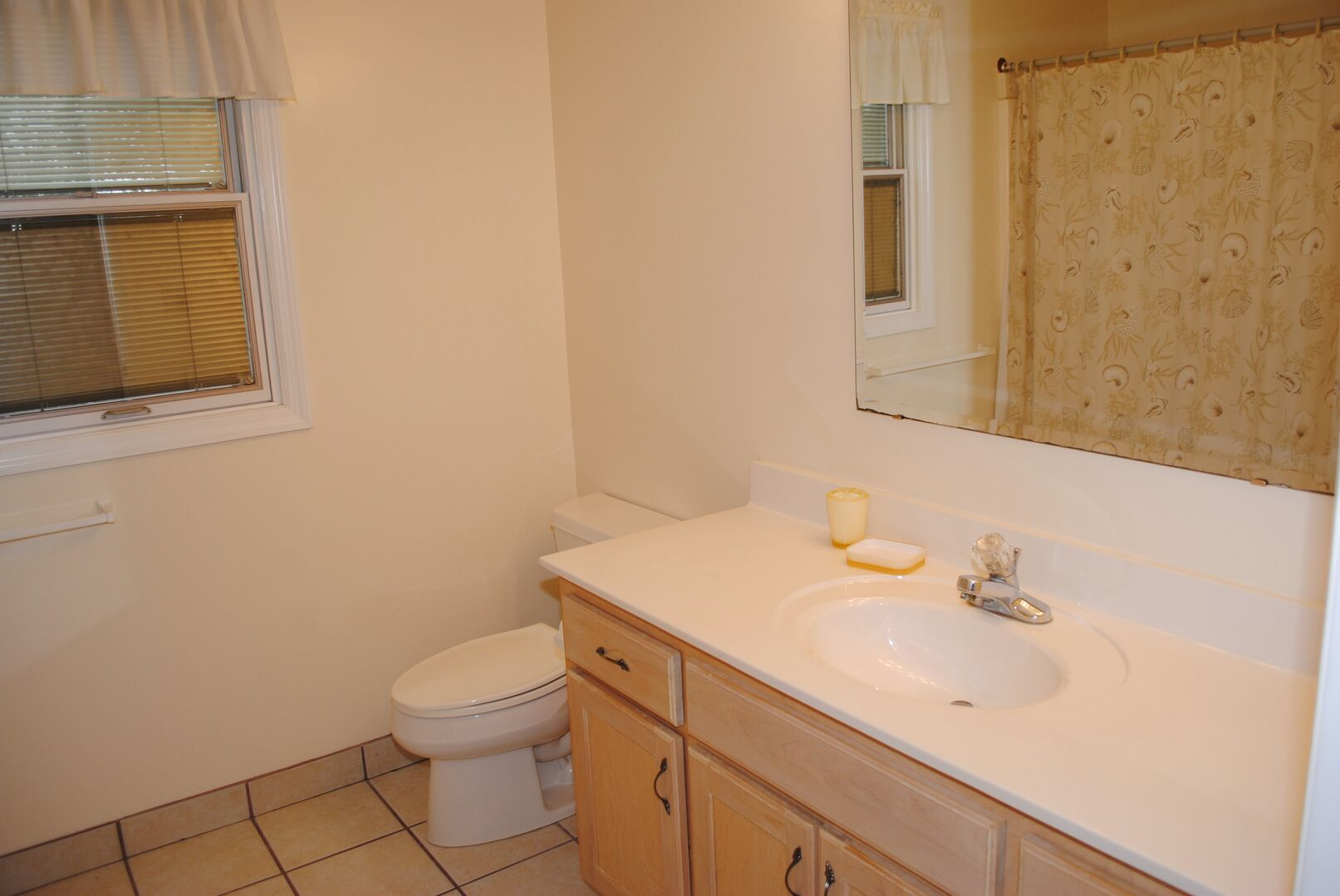 Bathroom South Side - Second Floor