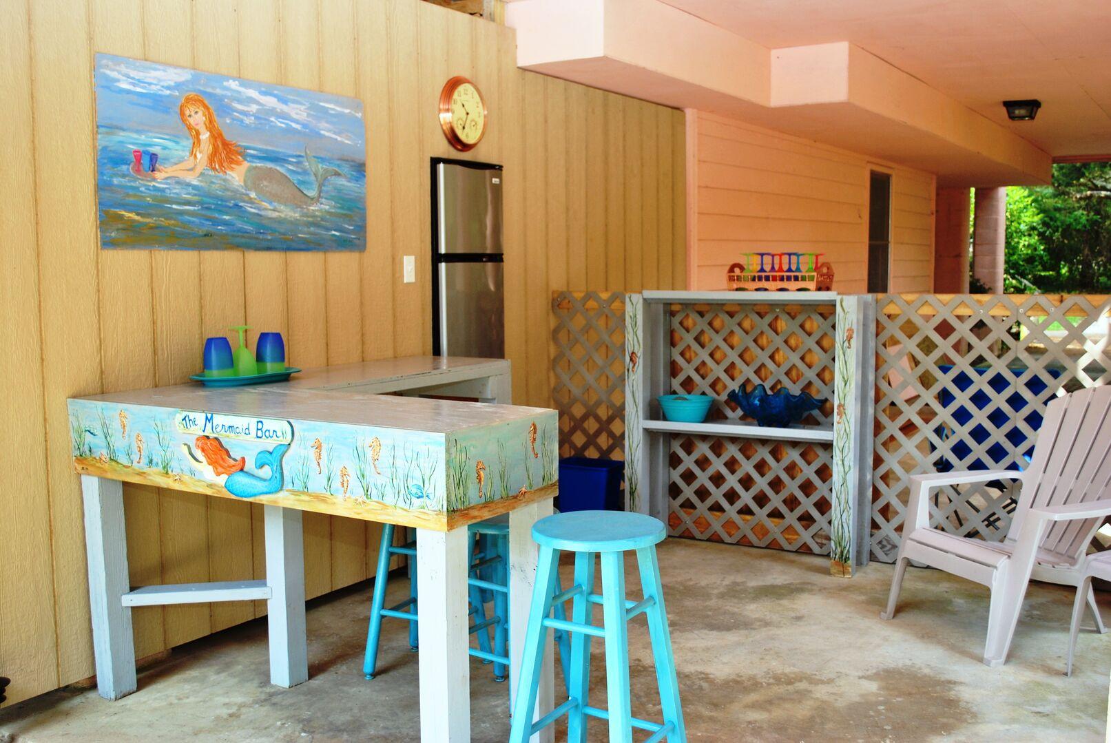 Tiki Bar - Pool Side